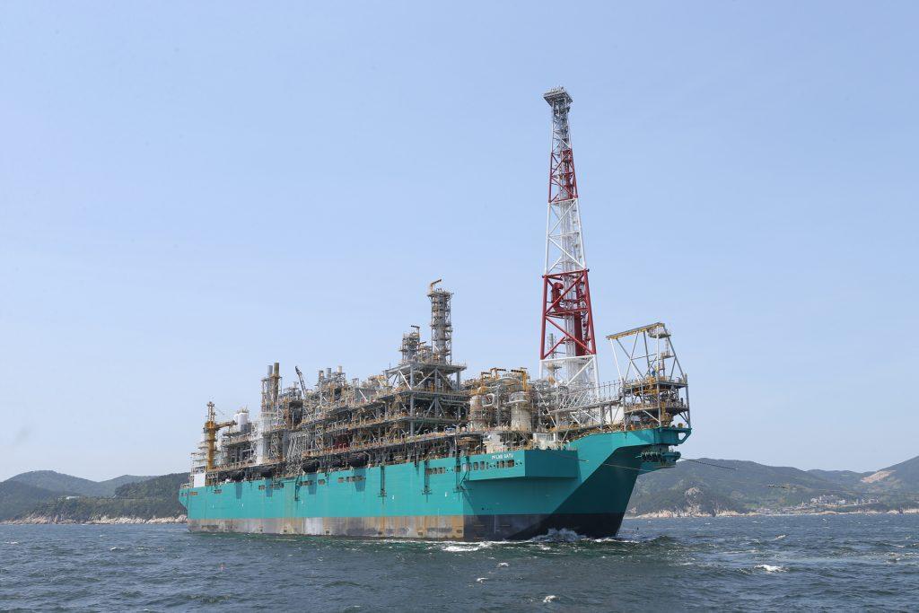 대우조선해양, 세계 최초 FLNG 성공적 인도 완료