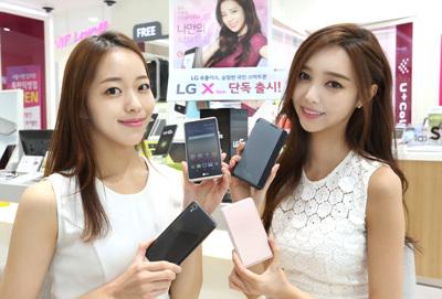 LG유플러스, 슬림하고 가벼운 국민 스마트폰 'X Skin' 단독 출시